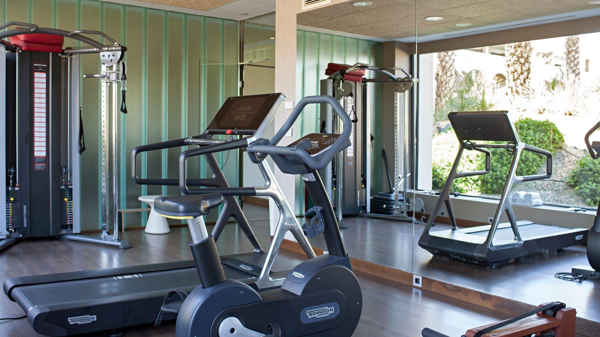 Gimnasio 24 horas abierto te animas a hacer ejercicio for Gimnasio 24 horas logrono